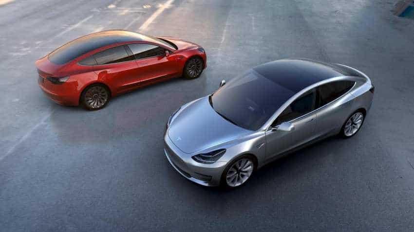 Tesla seen forecasting first-quarter loss after Elon Musk warning