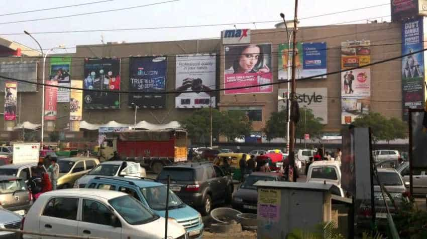 Noida: Parking trouble at Film City, Botanical Garden will end soon - Here is why; Atta, GIP, DLF Mall stretch will also benefit