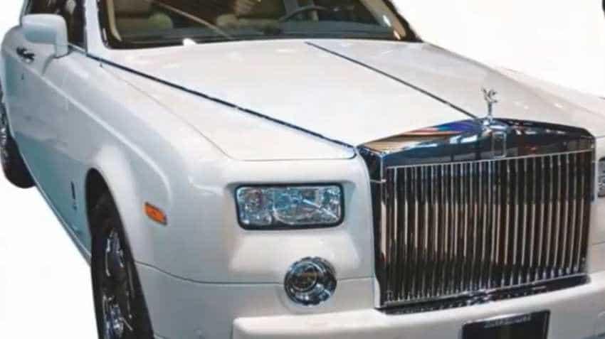 Amitabh Bachchan sells Rolls Royce Phantom; it was gifted by 3 Idiots maker Vidhu Vinod Chopra