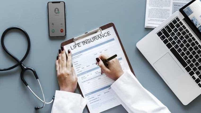 Are you young and don't have medical insurance? 5 reasons that will make you rush to get it
