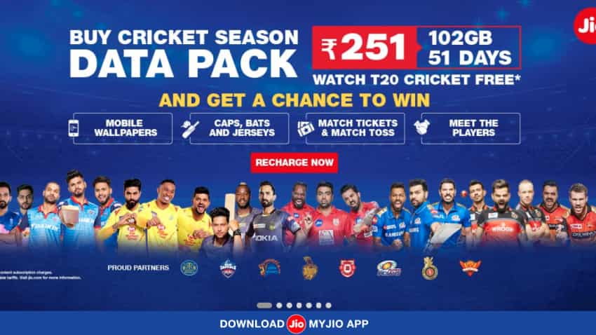 Cricket Enthusiast? You can now avail exciting prizes with RJio's Cricket Season Pack