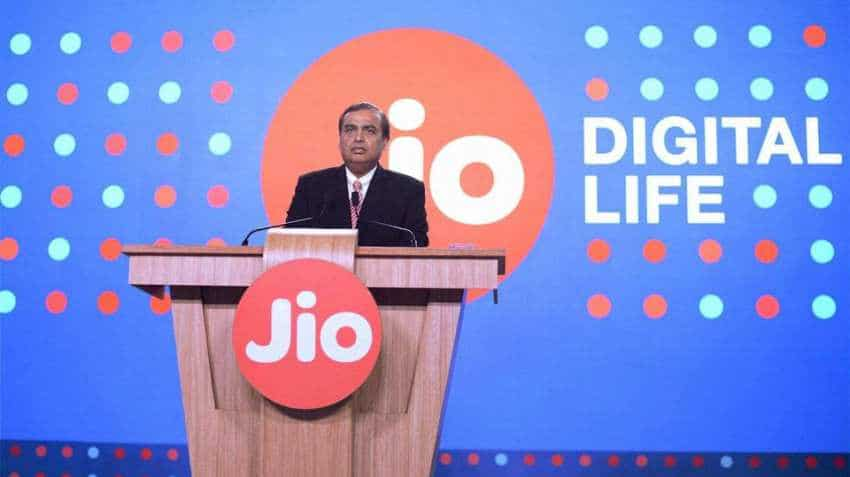 Jio attracts Softbank: Japanese Bank may invest $2-3 billion in Mukesh Ambani's RJio's deleverages business