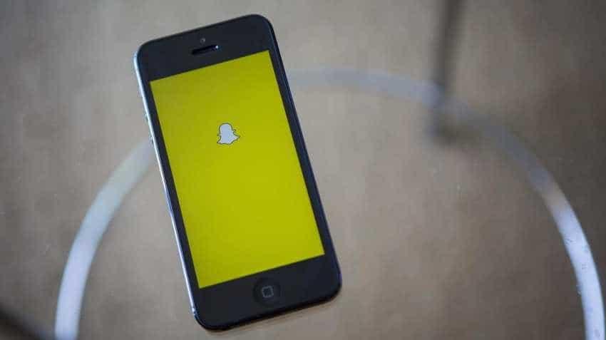 Snapchat adds 4 mn users, beats revenue estimates