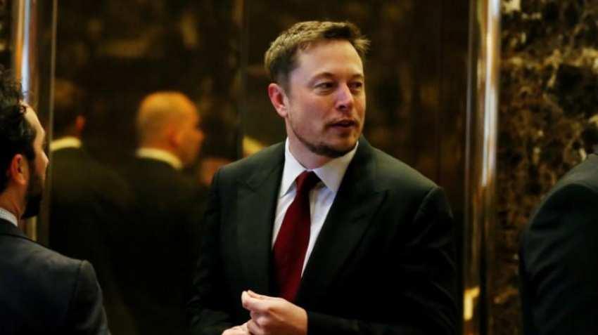 Warren Buffett says Tesla can't sell insurance, Elon Musk hits back