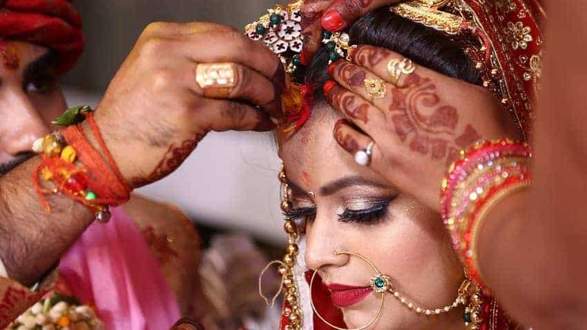 Planning a big fat Indian wedding? Here is what you should keep in mind while opting for loan