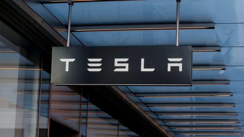 Tesla to update battery software following car fires in Model S EV