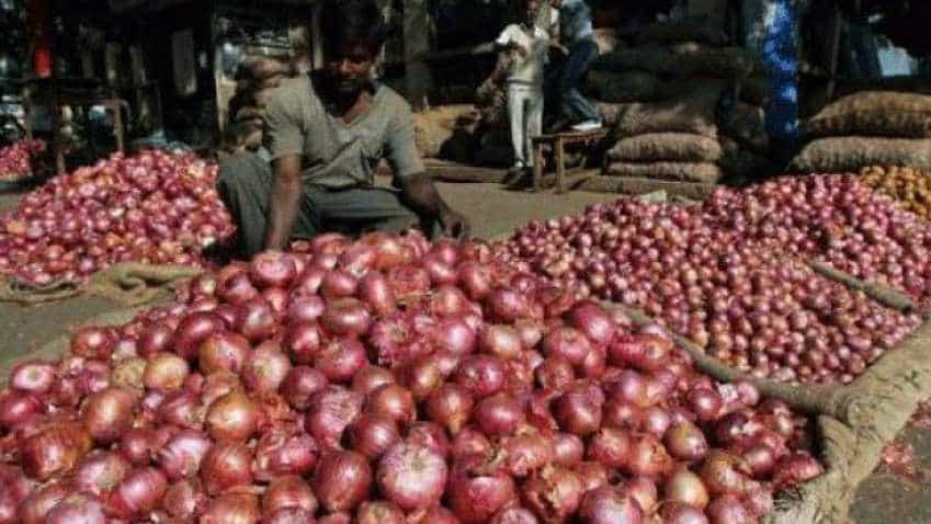 Government creating 50,000 tonne of onion buffer to curb price rise