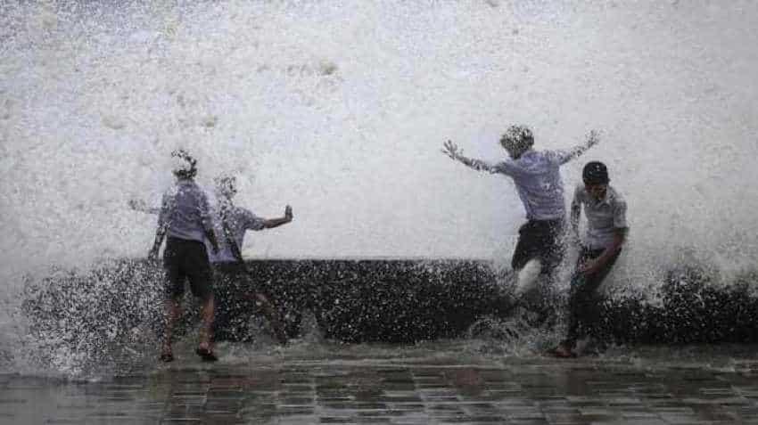 Monsoon onset: Delhiites suffer sunny days; residents of Maharashtra, Odisha experience rainfall