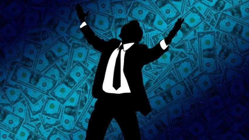 High net-worth individuals wealth declines; cash most-held asset class: Report