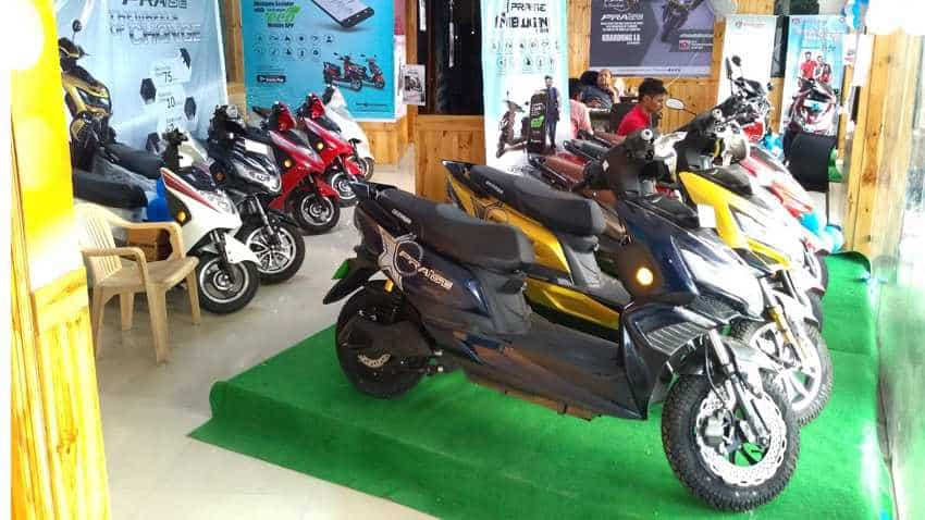 Okinawa electric scooters drive into Delhi; dealership opened - Address and other details