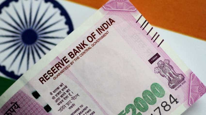 35 bps RBI repo rate cut: Indian rupee to hit 69 or 72-mark? Here's where INR is headed