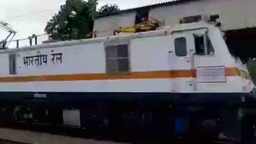 AMAZING! This Indian Railways engine can