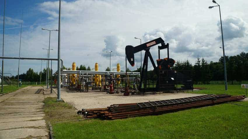 WTI Crude: Oil prices hold gains after US inventory drawdown