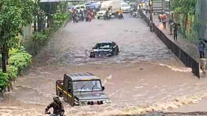 Bolero beats pricey Jaguar in flooded Mumbai street; Anand Mahindra tweet goes viral