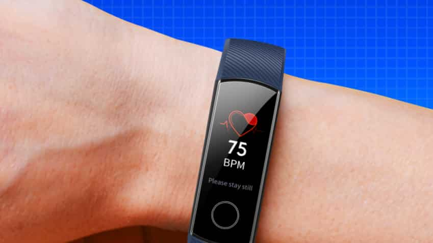 Through SBI Debit card and Credit Card, get up to 10% discount on HONOR Band 5 on Amazon