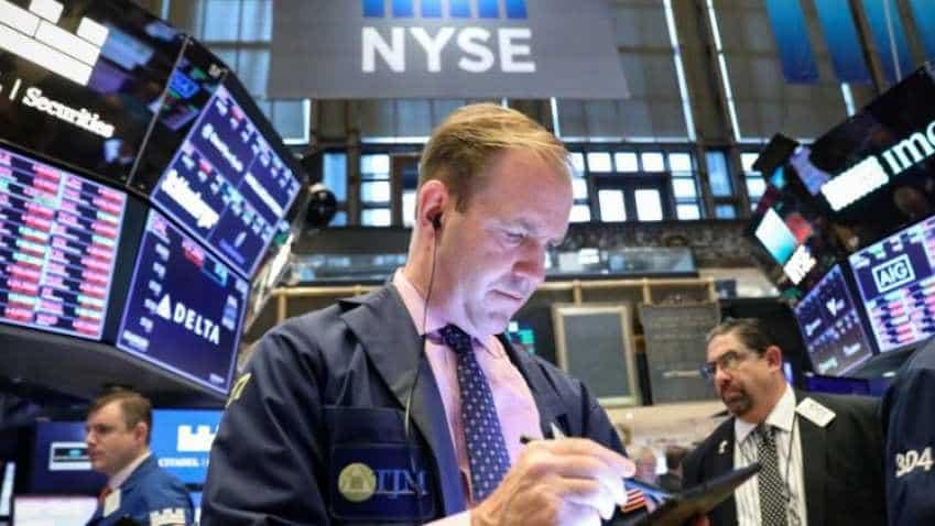US stocks bear losses amid political woes in Washington