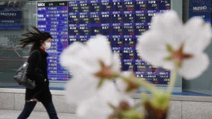 Asia stocks edge higher but markets on tenterhooks ahead of US payrolls