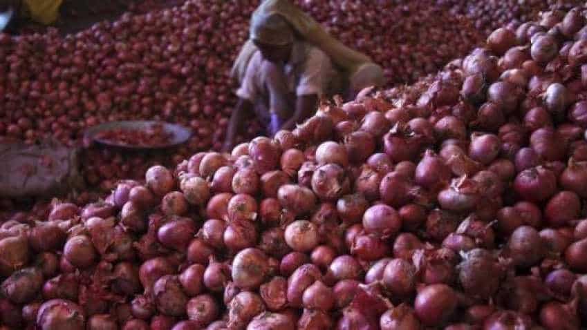 Govt asks MMTC to import 1 lakh tonnes of onion