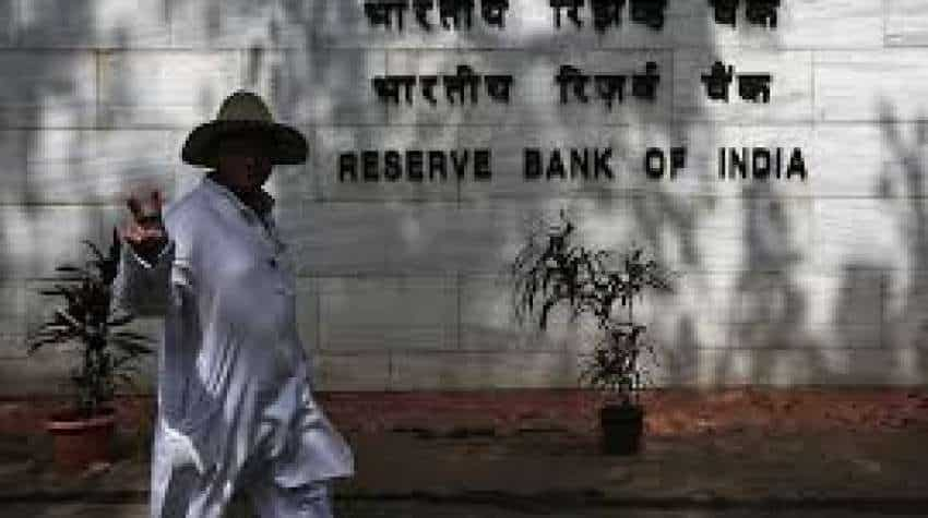 RBI direct banks to give credit, debit card users facility to enable, disable their cards