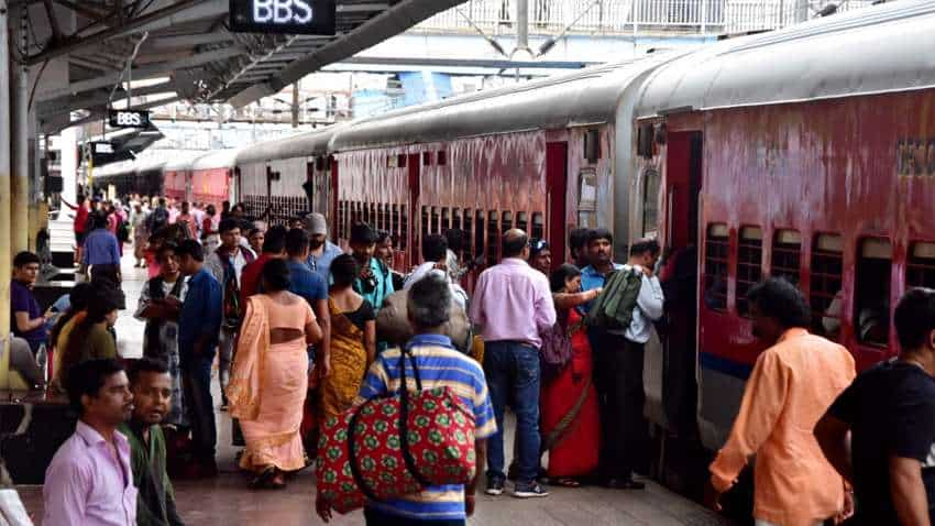 Big record! 5.5 lakh digital tickets sold by Mumbai Western Railway in a day