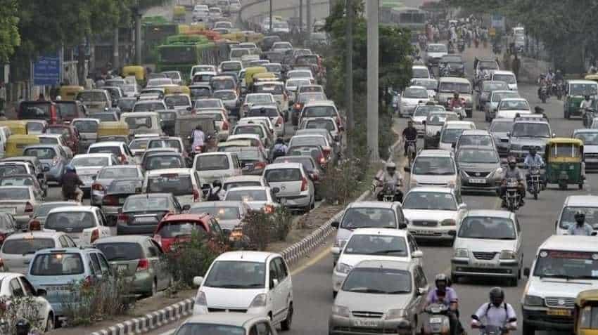 Coronavirus in Delhi: Huge traffic jams at borders despite lockdown