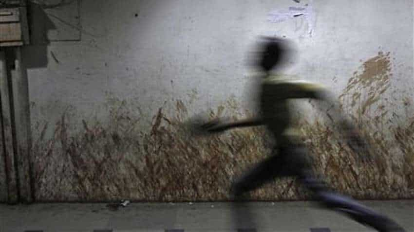 Noida, Greater Noida resident? Alert! Crackdown unleashed, pay Rs 1,000 fine for spitting in public places