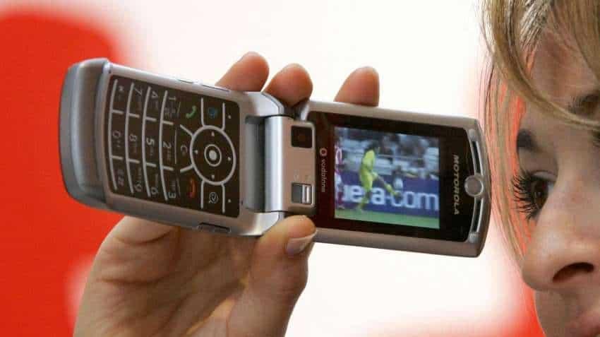 Motorola Razr 2 to launch in September: Top executive