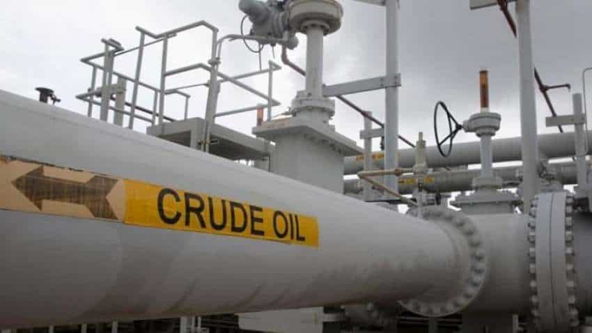 Oil price climbs 2 pct on US stock draw but gains capped as OPEC+ set to ease cuts