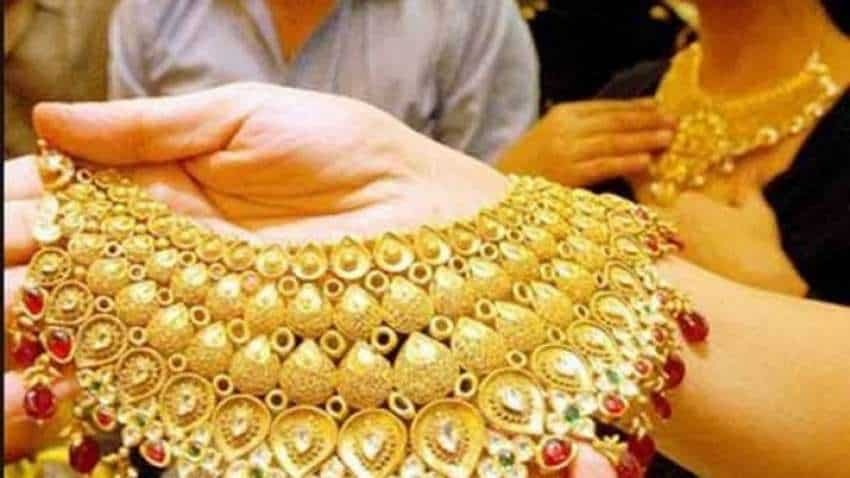 Gold price today tanks, but expert eyes Rs 55,000 mark by this period