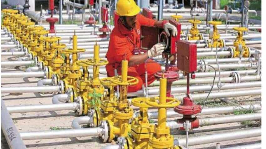 Govt cuts gas price by 25% to lowest on record
