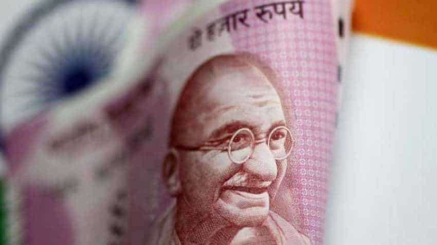 Rupee ends 5 paise lower at 73.36 against USD