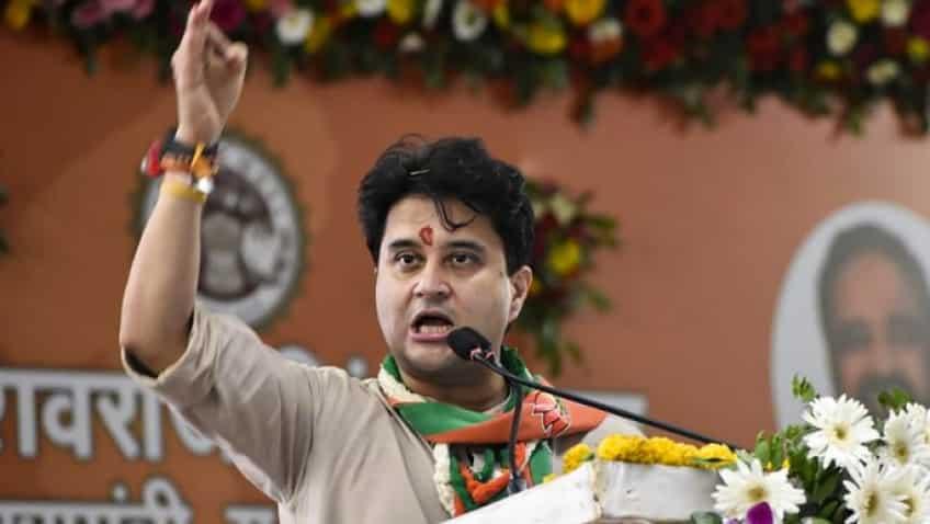 Kamal Nath and Digvijaya 'biggest gaddars', not me; BJP will win majority of bypoll seats: Scindia By Asim Kamal