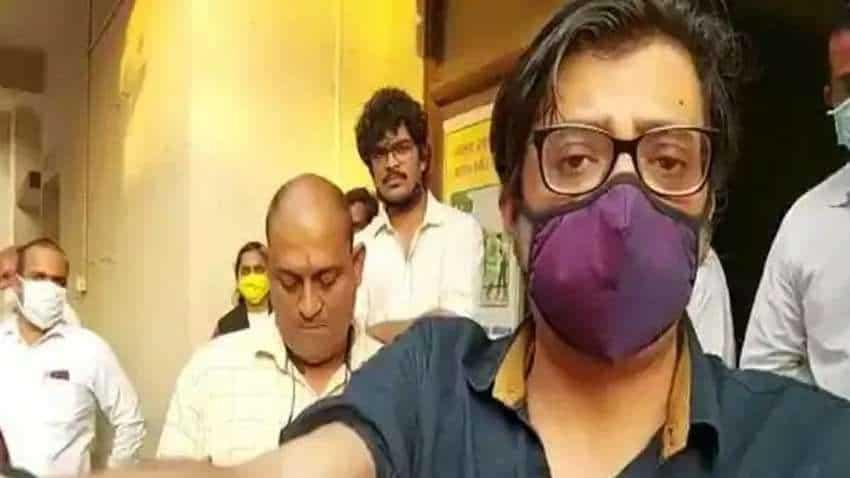 Arnab Goswami arrest: Republic TV Editor challenges detention; HC to hear interim bail plea on Friday   Full details here