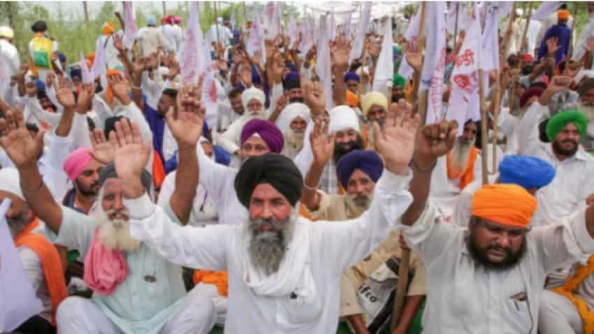 Farmers protests in Delhi: Key route closed as protesters gather at Delhi-Noida border