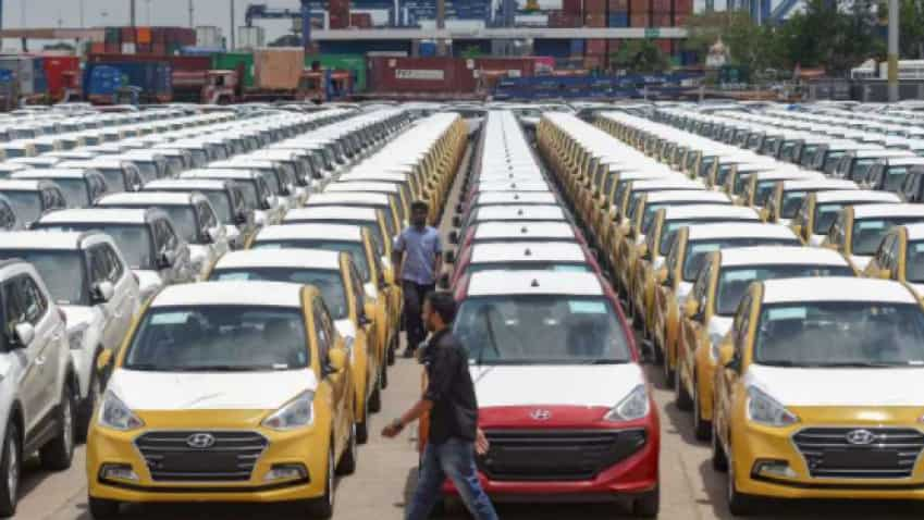 SIAM: Festive demand lifts domestic passenger vehicle sales by nearly 13 pc in November