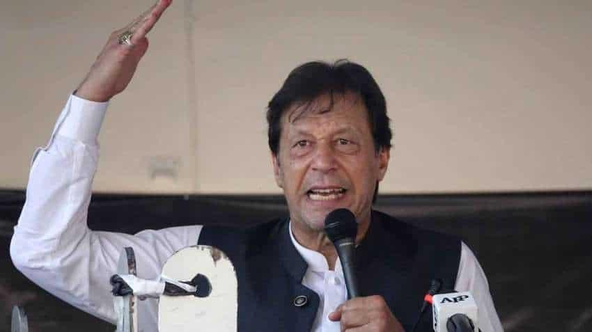 Pakistan pilot spots ''an extraordinary object'' in the sky