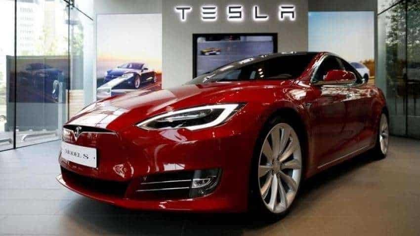 Tesla to recall 134,951 U.S. vehicles under pressure from auto safety regulators