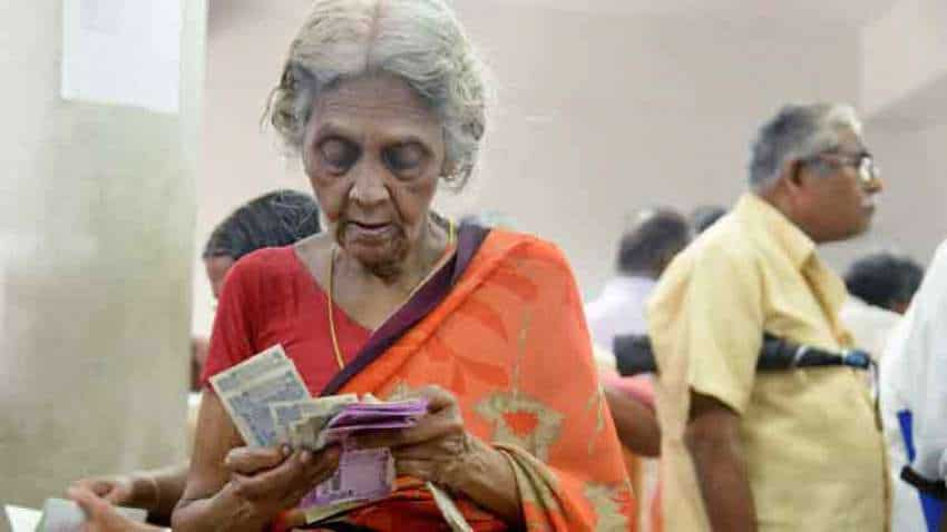 Pensioners ALERT: RUSH! Last date to submit digital life certificate tomorrow—Avail doorstep service from SBI, PNB, BoB and other banks