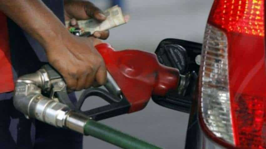 Petrol, Diesel Price Today – After two consecutive cuts, price unchanged on Friday; crude oil falls 3% this week, 6% previous week