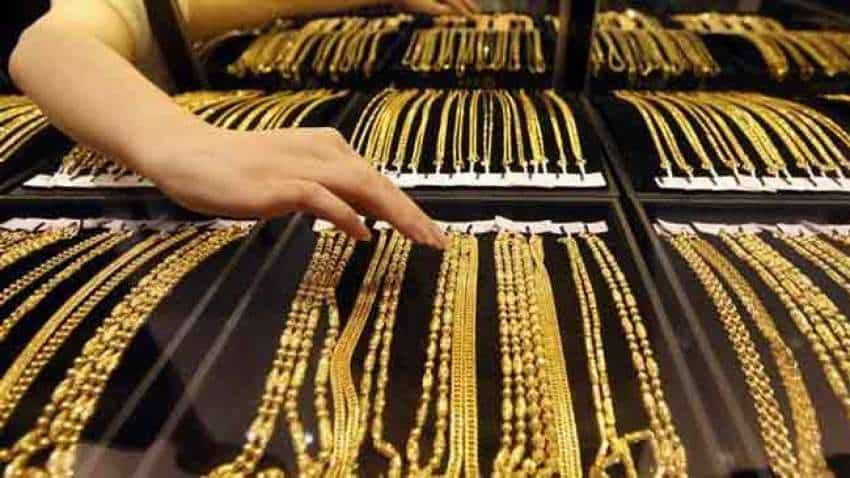 Gold rebounds from three-week low as dollar rally pauses