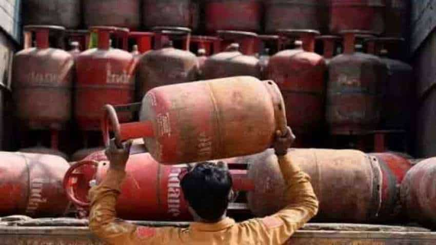 LPG cylinder price reduced! After increasing rate by Rs 125 last month, oil firms slash cooking gas price by Rs 10
