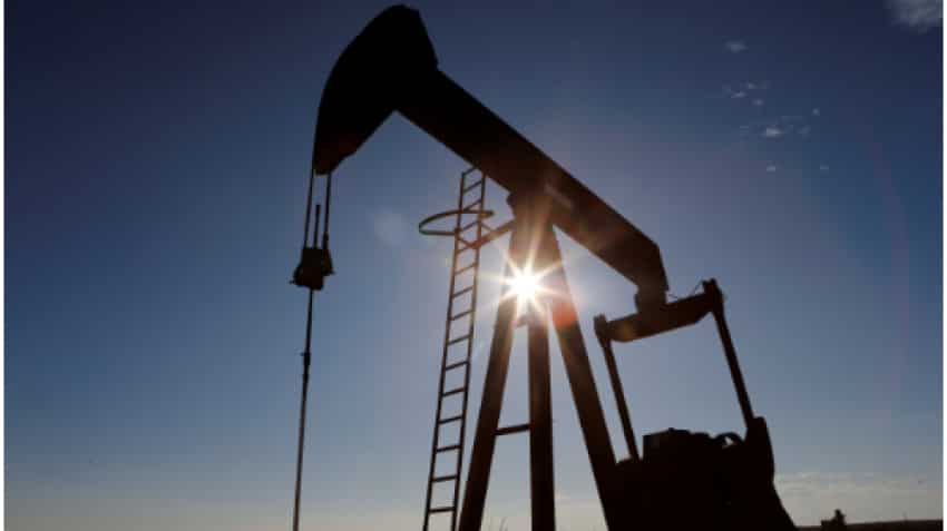 Oil jumps but set for weekly loss on Iran nuclear talks