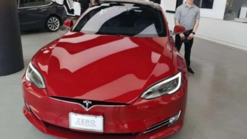 Tesla Model S Plaid crashes during testing: Report