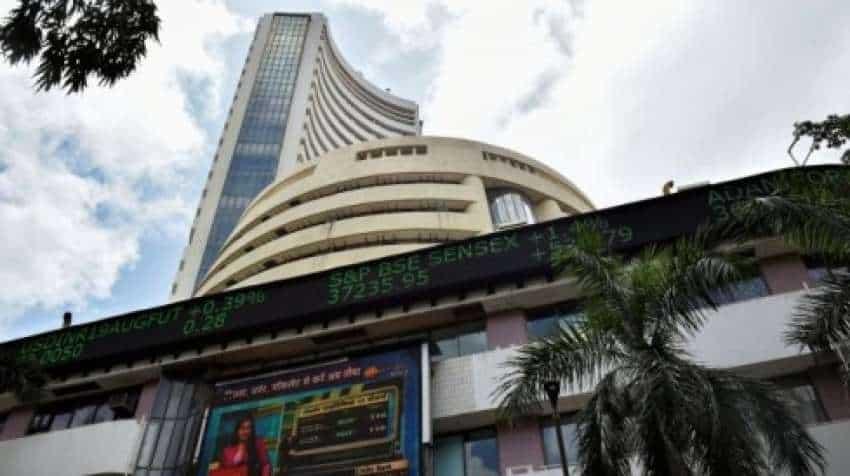 Closing Bell! Share Market witness deeper cuts at close, Sensex down 500 pts, Nifty below 17400 – Metal stocks crack